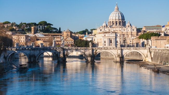 13 Things Tourists Should Never Do In Rome