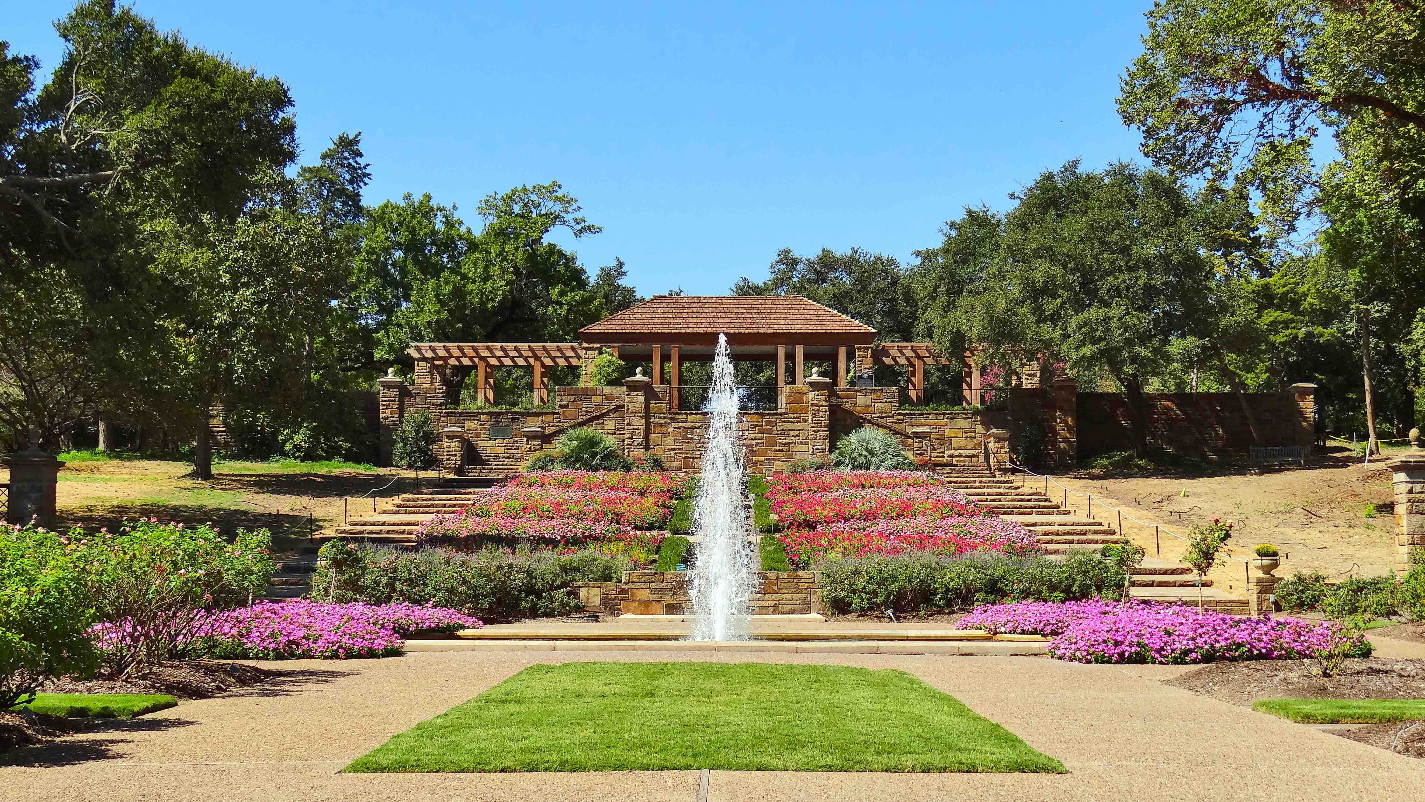 Most Beautiful Rose Gardens In The World most beautiful gardens around the world