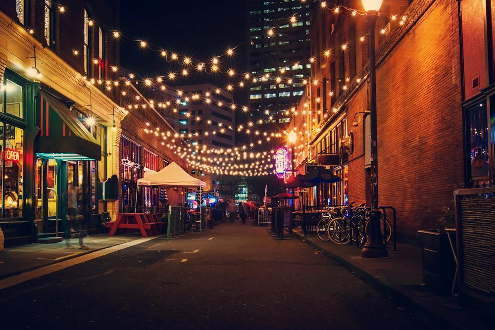 Portland at night | © photomatz/Shutterstock