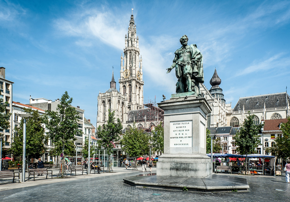 The Groenplaats square, with the Cathedral of Our Lady in the background | © Sigridspinnox.com / courtesy of Visit Antwerp