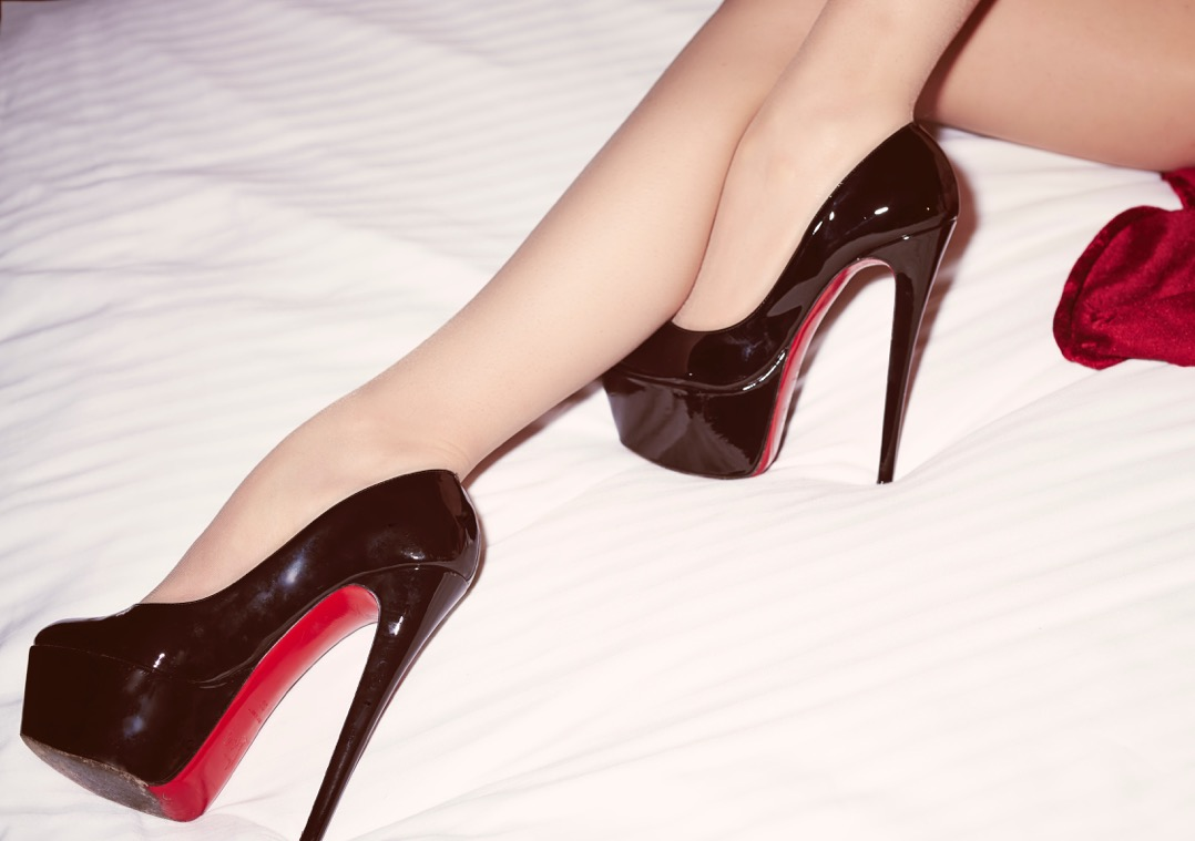 a brief history of the high heel. Black Bedroom Furniture Sets. Home Design Ideas