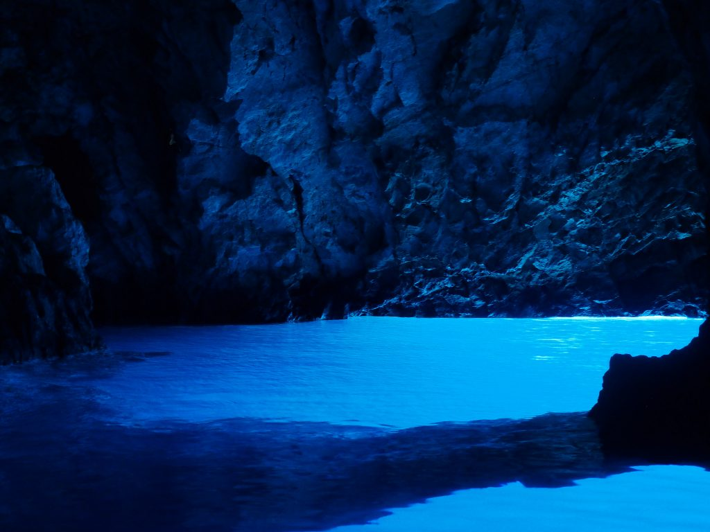 Blue Cave | © Marco Klapper/Flickr