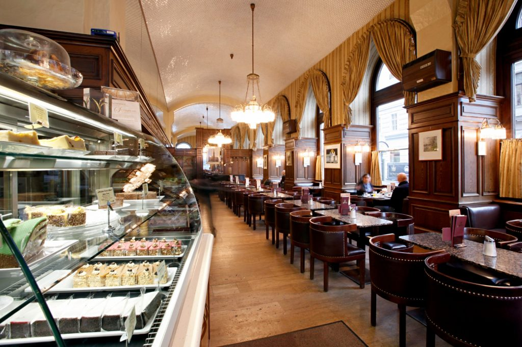 Cafe Schwarzenberg Wien : a look at the timeless sophistication of vienna 39 s old world coffeehouses ~ Eleganceandgraceweddings.com Haus und Dekorationen