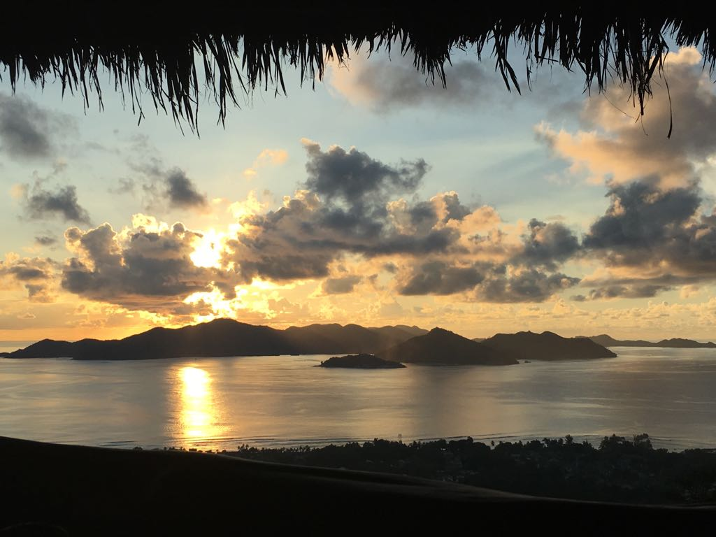 20 unmissable attractions in Seychelles - sunset at eagles nest la digue