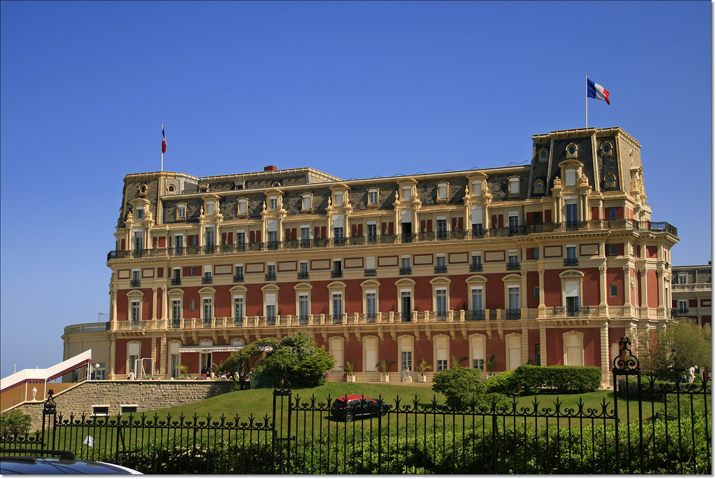 The most beautiful buildings in biarritz for Prix chambre hotel du palais biarritz