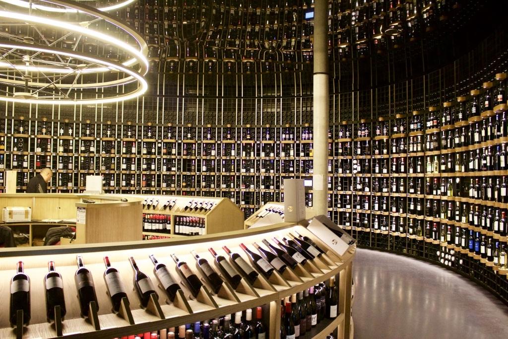 10 Top Wine Bars in Bordeaux