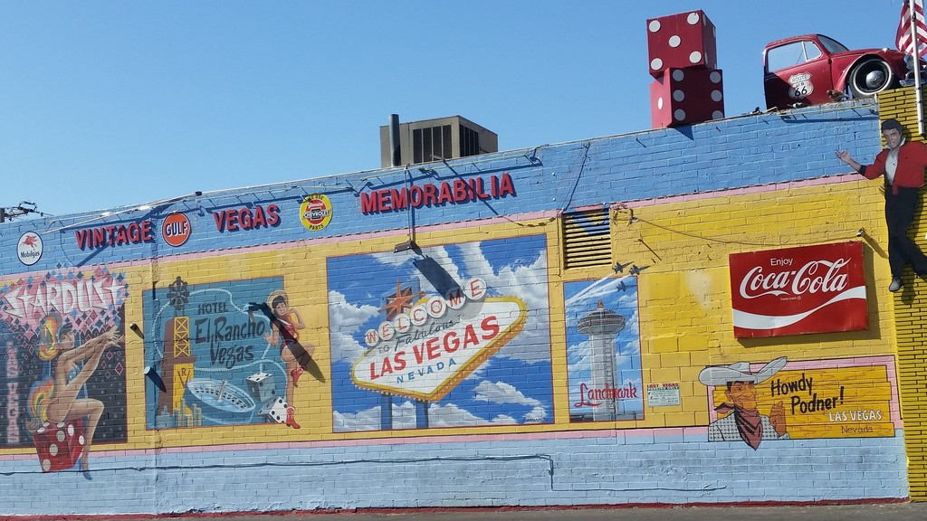 Side view of Lost Vegas Antiques | © Lauryn Wilder