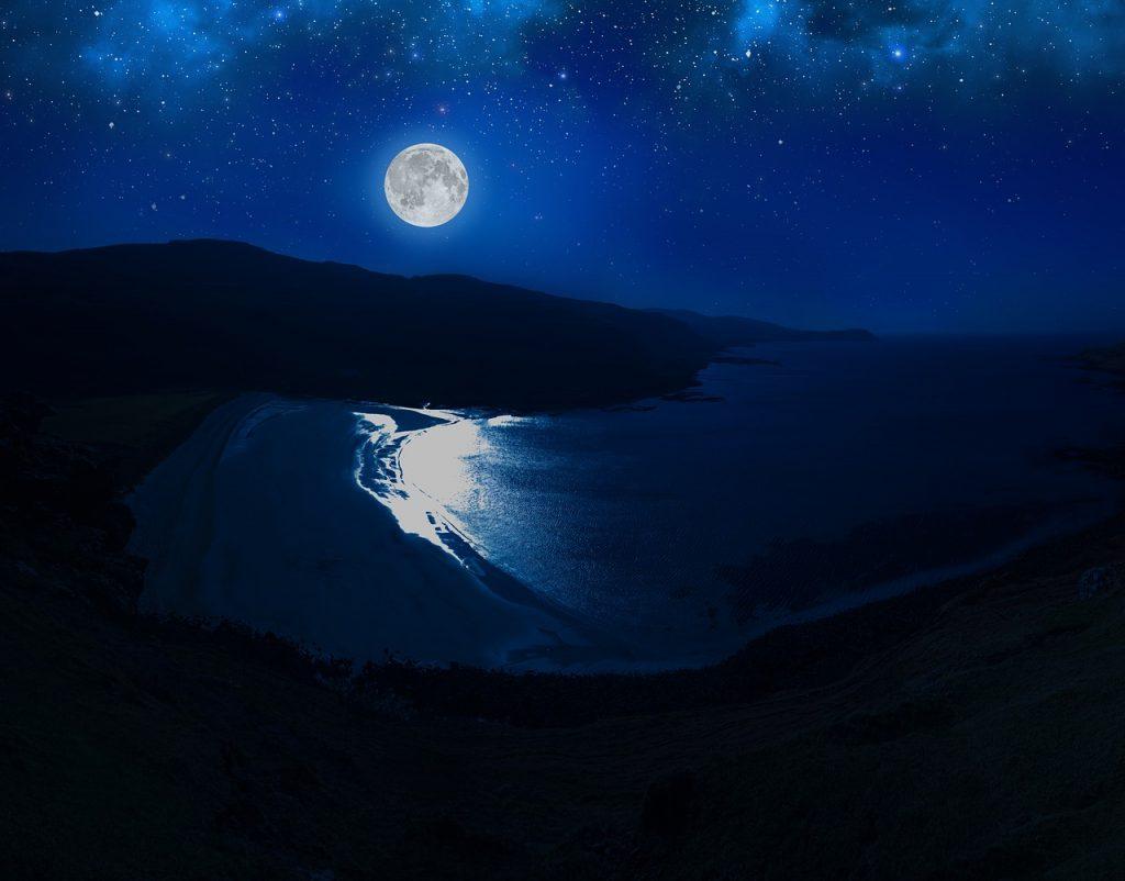 Moonlight Beach Scotland | © mcbeaner/pixabay