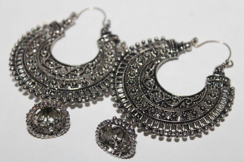 Silver Jewellery | Shweta Singh / Pexels