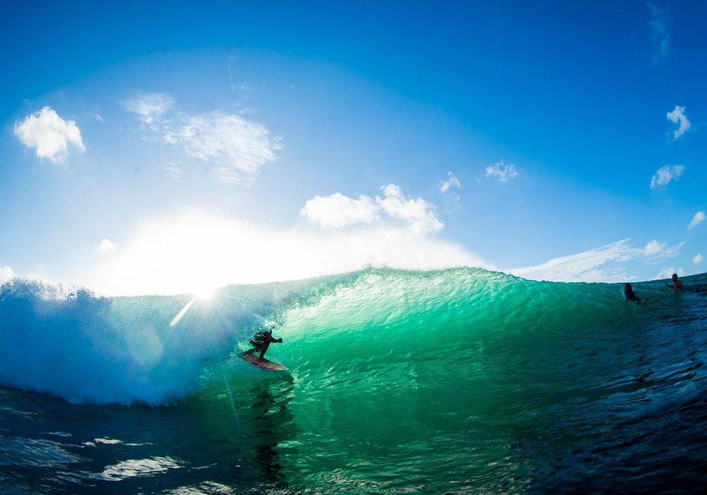 Muklis Anwar enjoying a nice left in Bali | © Luke Forgay/Volcom