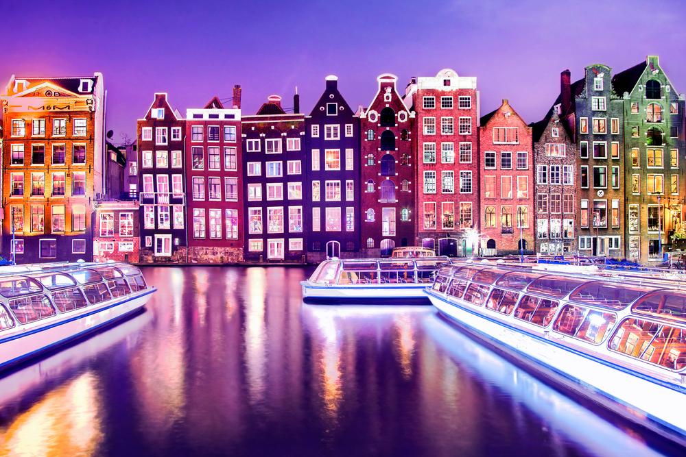 Amsterdam at Night | © MarinaDa/Shutterstock