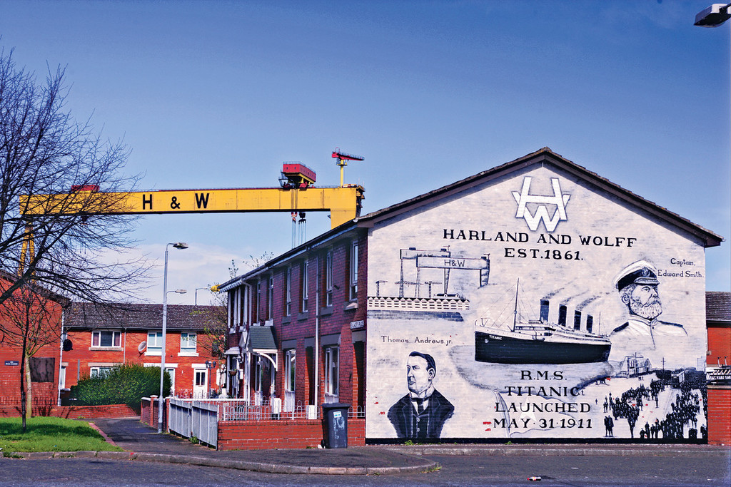 17 reasons why you should visit belfast for Mural belfast