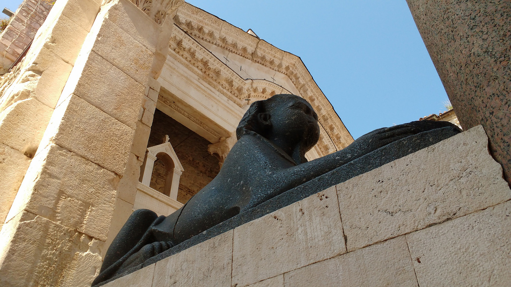Split Sphinx | © Jorge Brazil/Flickr