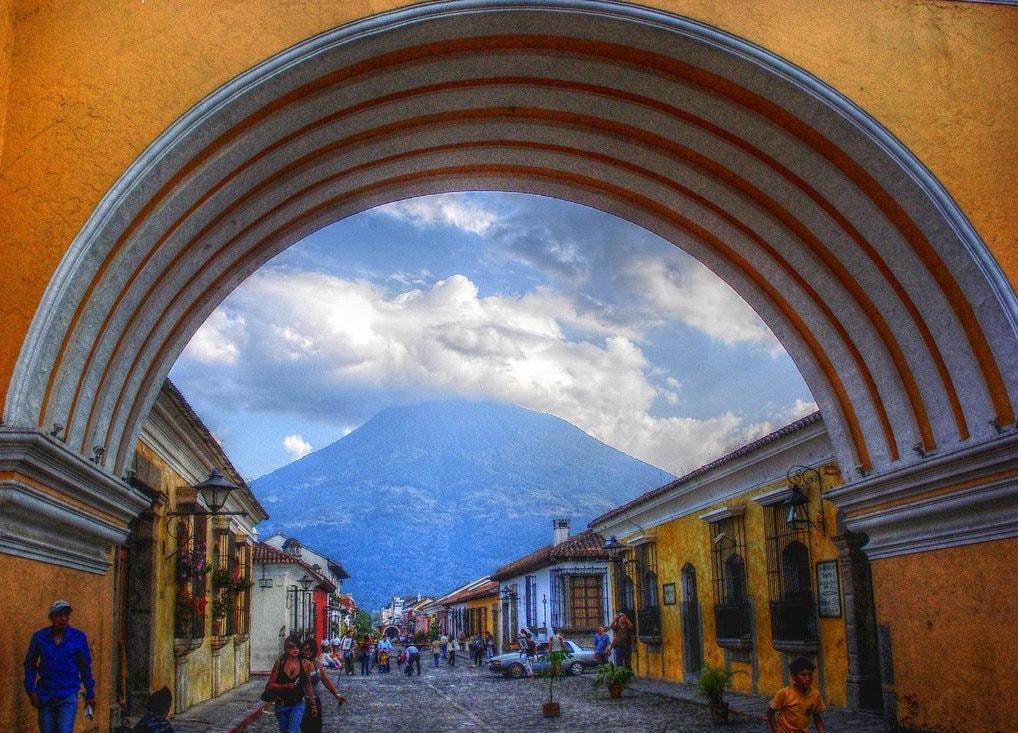 A Brief History Of Antigua S Santa Catalina Arch