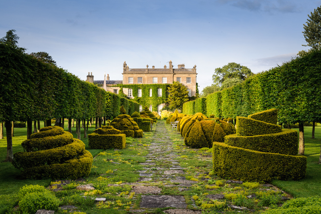 The Thyme Walk | © Courtesy of The Royal Highgrove Gardens