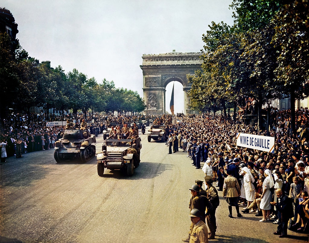 Liberation of Paris on August 26, 1944 │© Jack Downey, U.S. Office of War Information / Wikimedia Commons