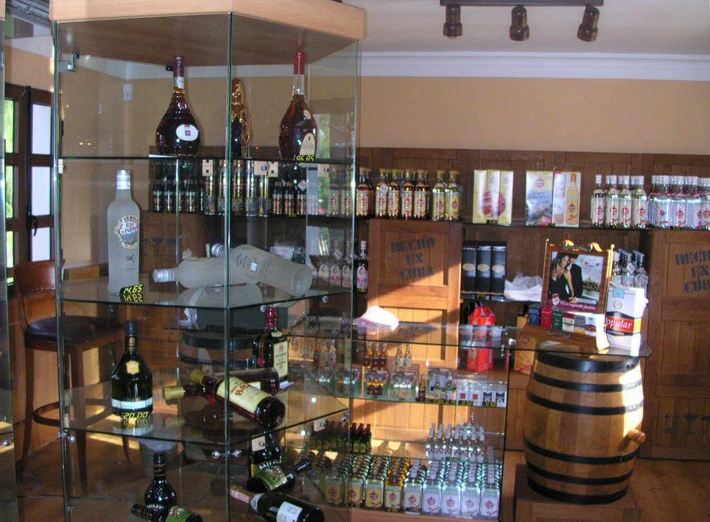 rum, shop, Cuba, Galerías de Paseo