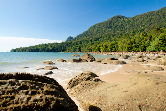 Picturesque rock formations on Damai beach | © alphonsusjimos/Shutterstock