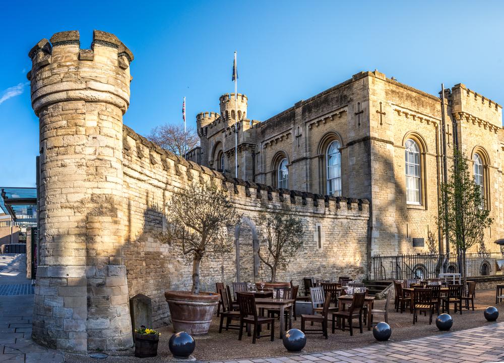 Oxford Castle   © ExFlow/Shutterstock