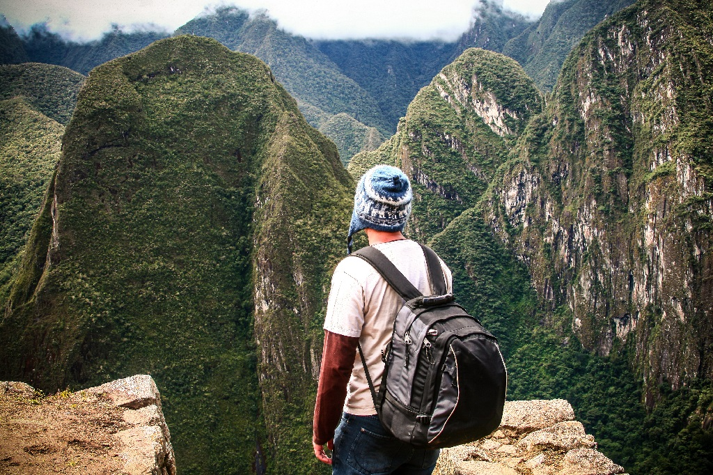 Travellers are 7% more likely to think 'outside the box'| © niniferrari/Shutterstock
