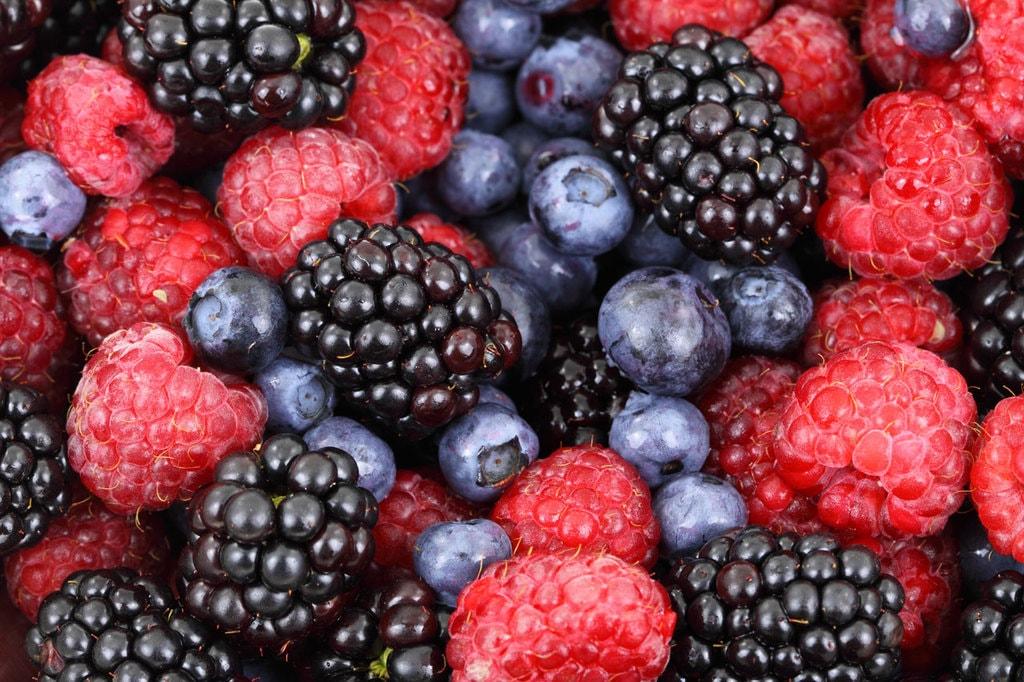 Mixed berries | © Petr Kratochvil / PublicDomainPictures.net