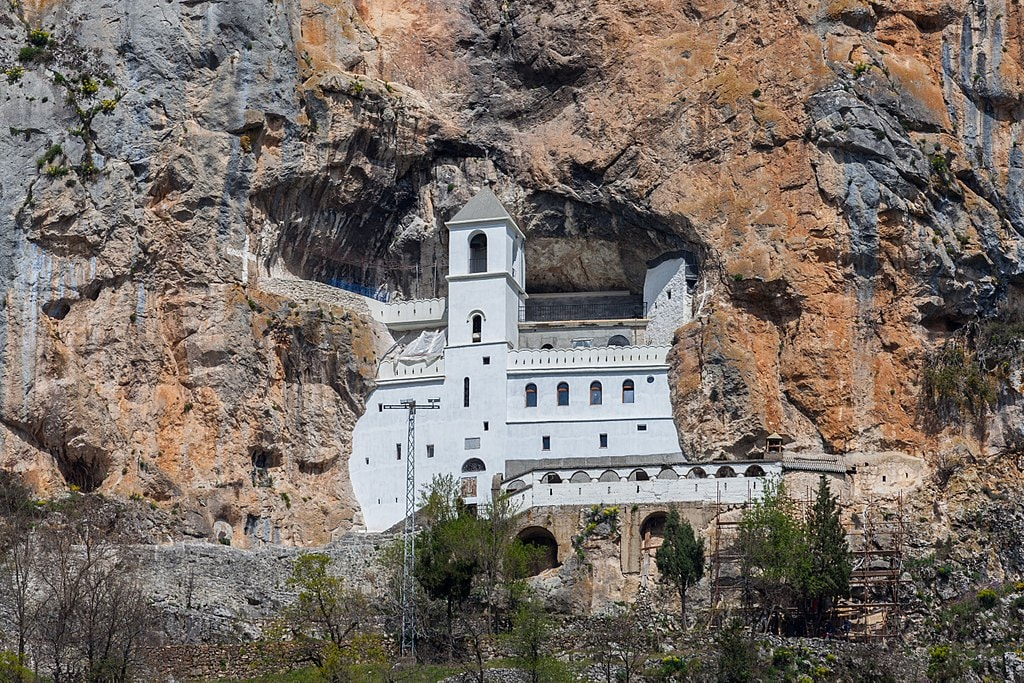 Ostrog Monastery | © Diego Delso/WikiCommons
