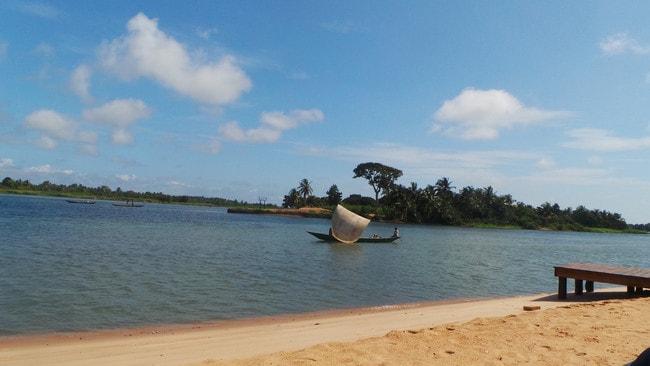 Canoe near Bojo