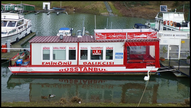 Düsstanbul Döner Boot, Dusseldorf, Germany | © abudulla.saheem/Flickr