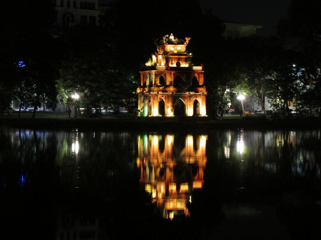 Hoan Kiem Pagoda, Hanoi | © Garycycles/Flickr