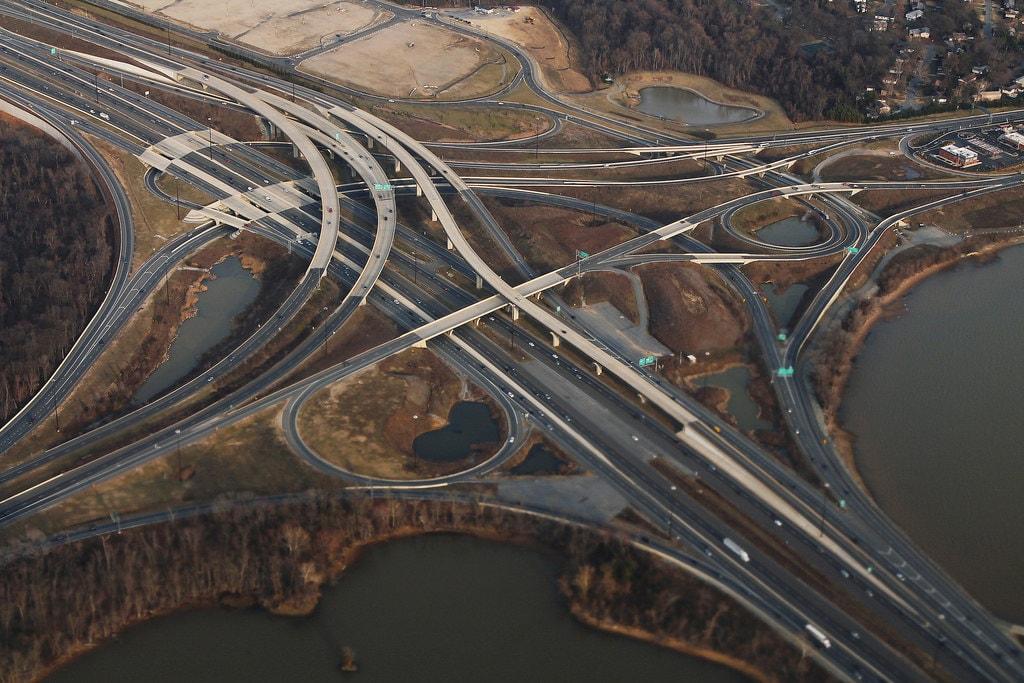 I-495 and I-295 in MD Potomac River   © formulanone/Flickr