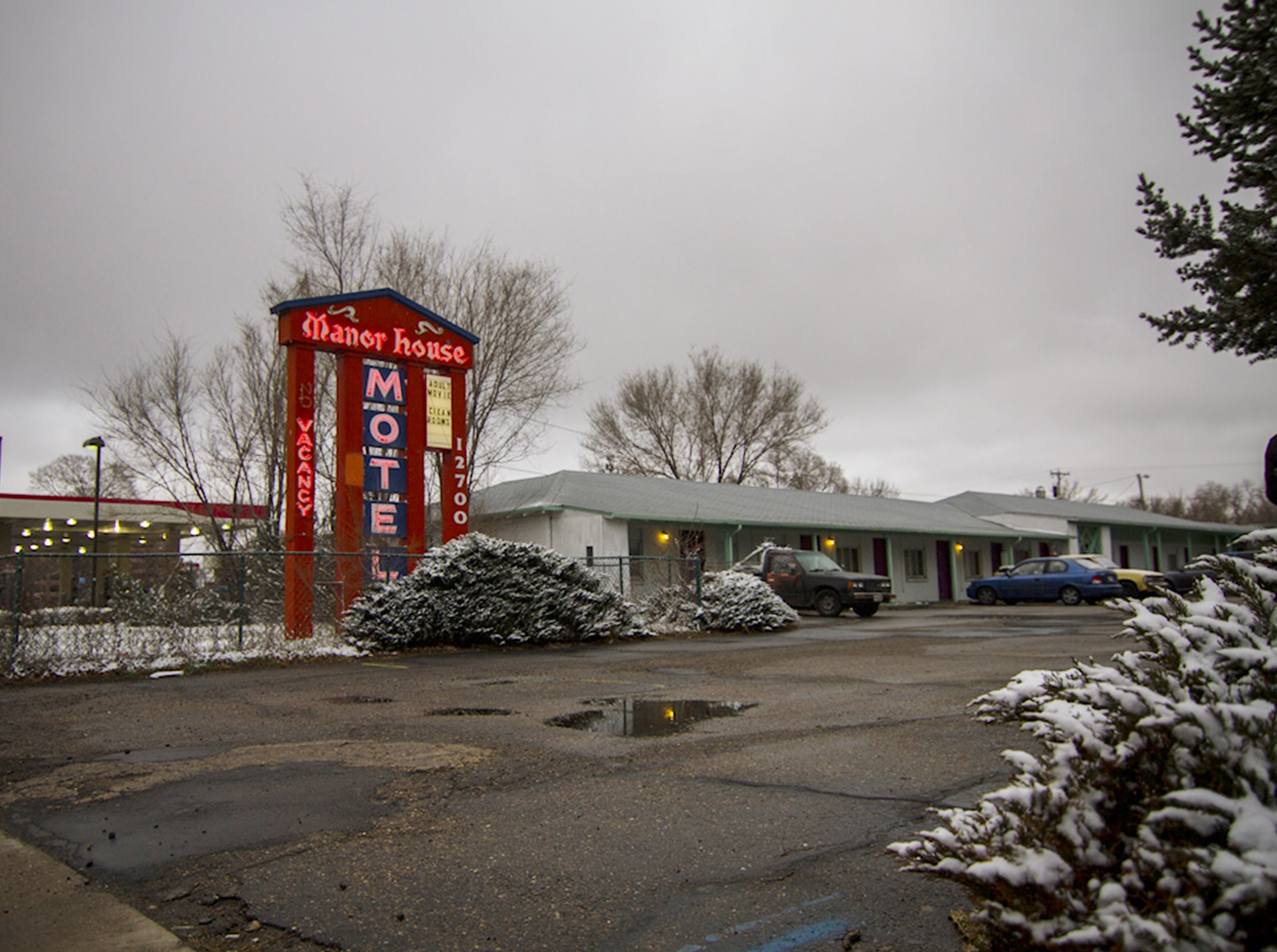 The Colorado motel where Gerald Foos allegedly spied on his guests having sex | © Netflix