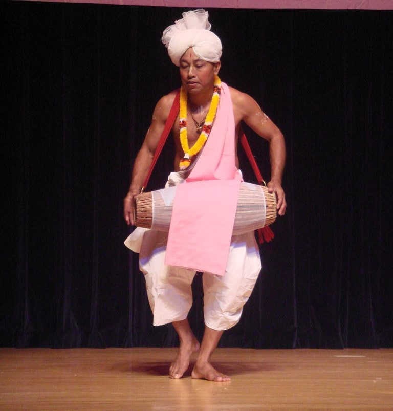 A Pung Cholom dance, which is part of the Sankirtana tradition | © Matsukin / Flickr (modified)