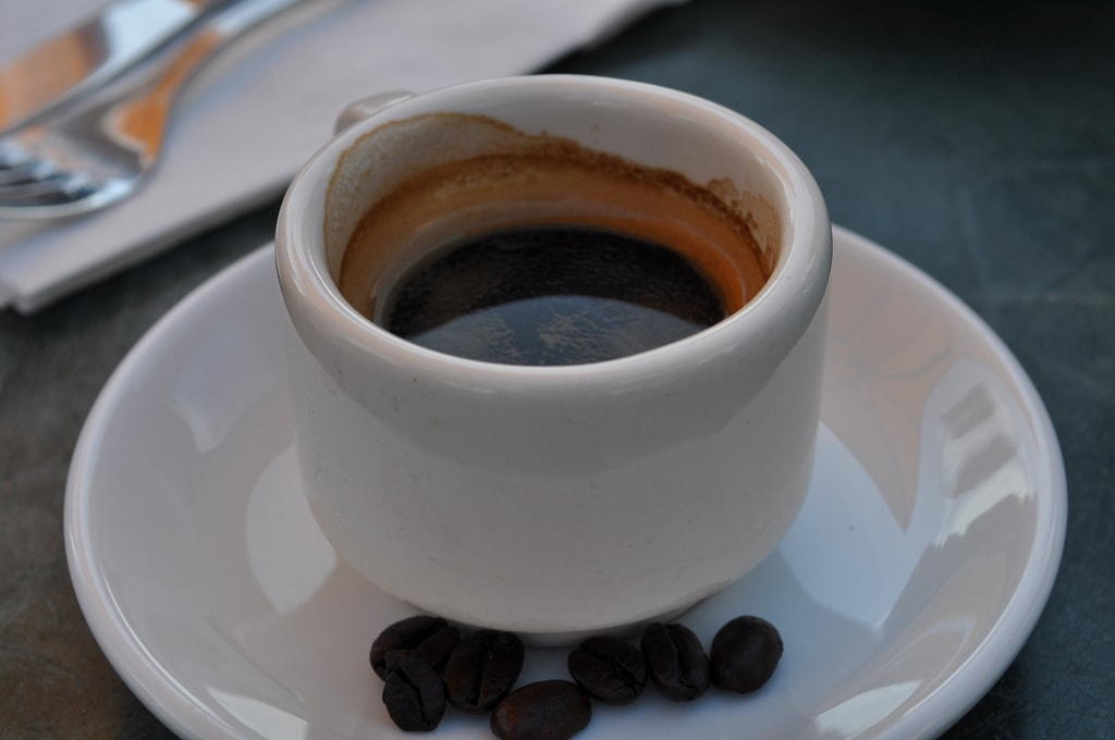 Even in touristy areas, coffee should cost around €1 | © Steven Dolan/Flickr