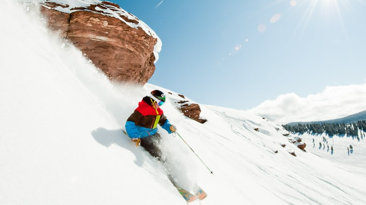 Skiing in Vail | © Connor Walberg/Snow Snow / Flickr