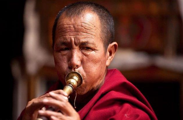 Buddhist Monk | @Zeepack / Flickr (cropped)