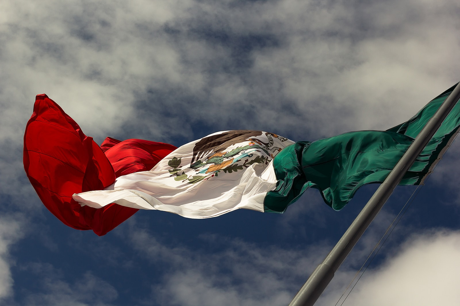 the story behind the mexican flag