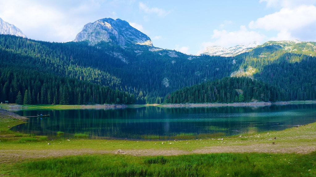 Black Lake   © Mario Micklisch/Flickr