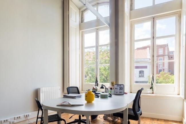 Picturesque workspace at WorkHub | Courtesy of WorkHub