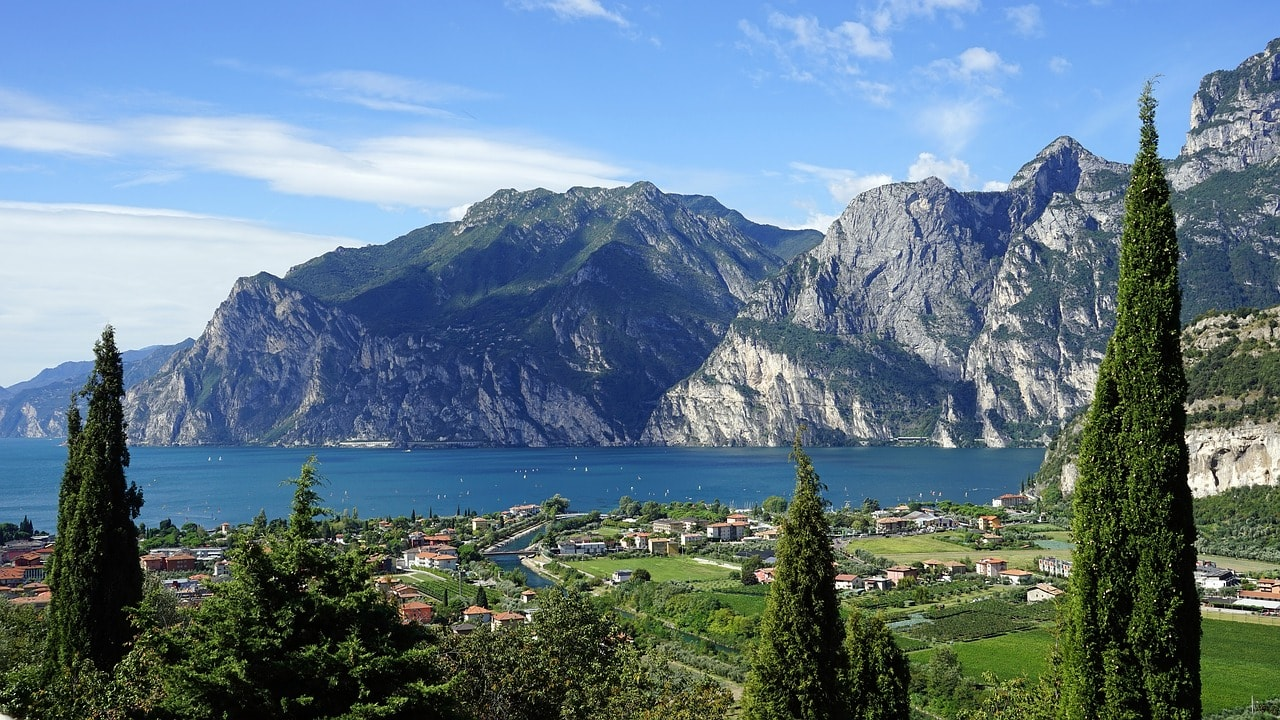 12 Beautiful Landscapes You Ll Only Find In Italy