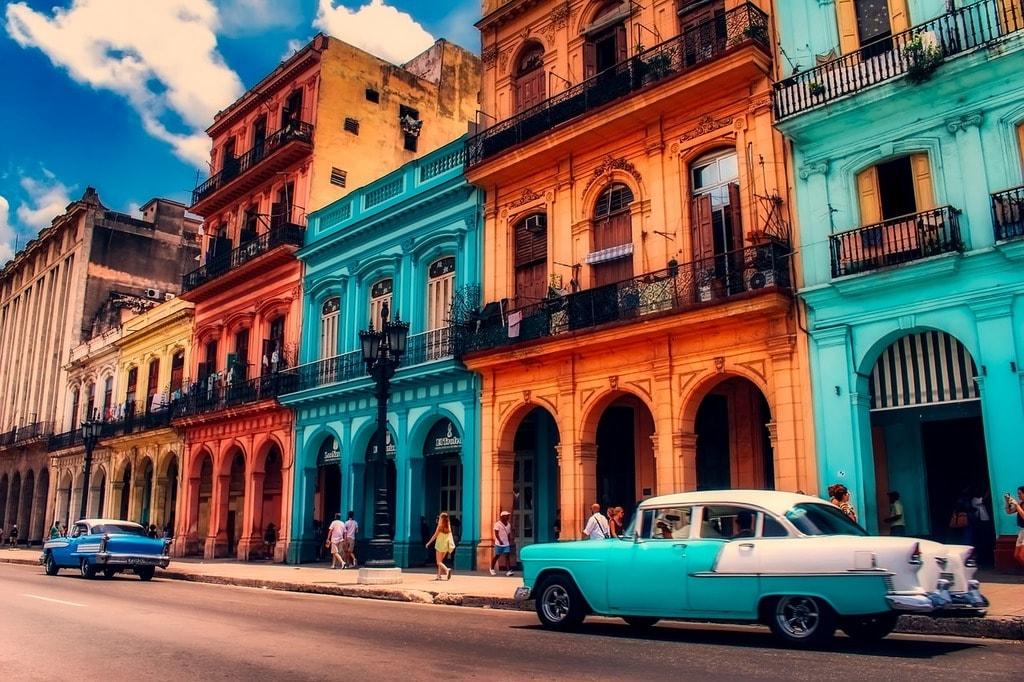 https://pixabay.com/es/la-habana-cuba-ciudad-urbana-2665940/