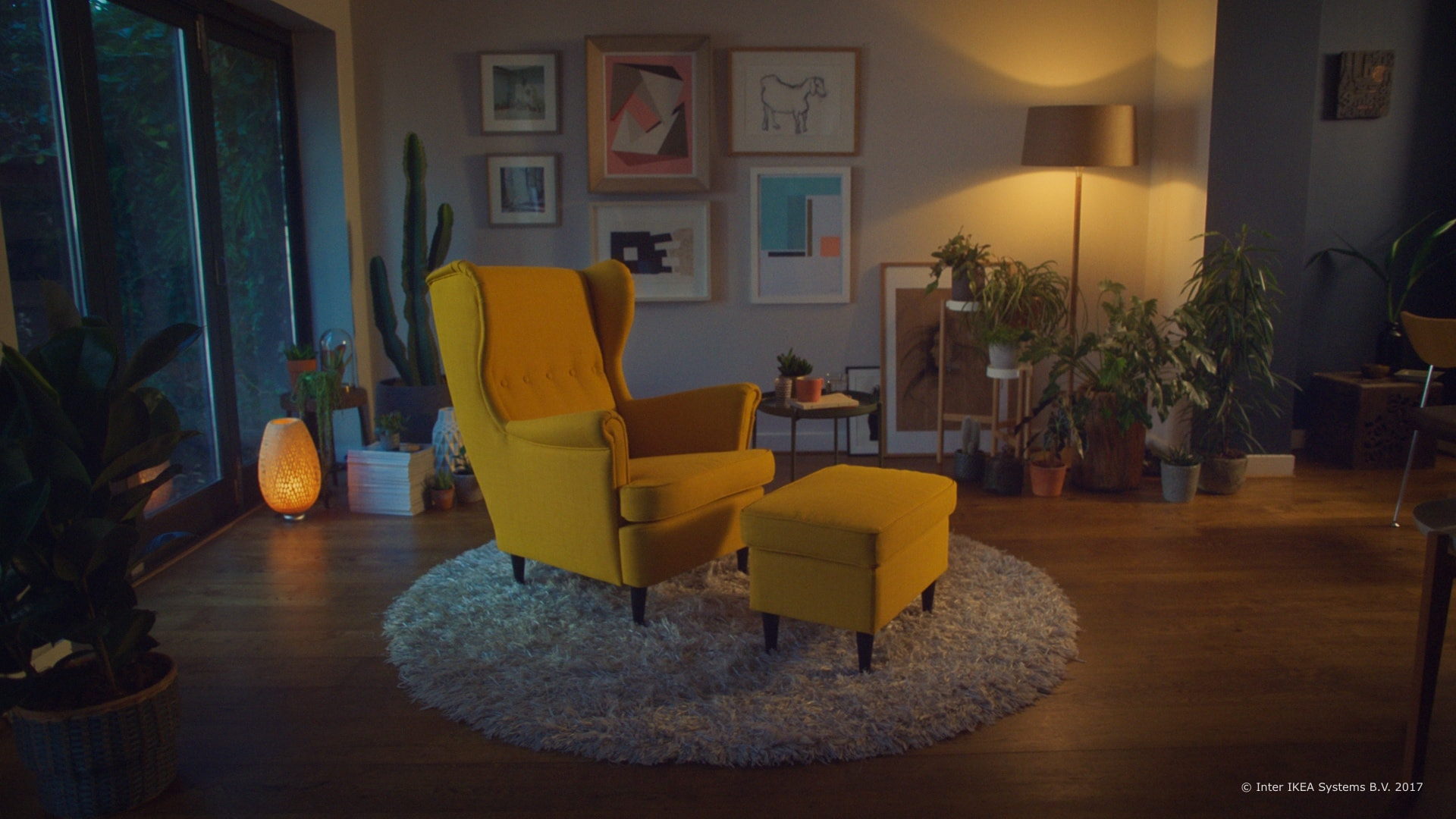 Ikea launches new ar app to virtually place your furniture for Canape 4 place ikea