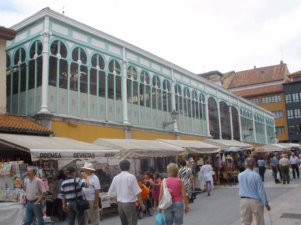 Mercado del Fontán, Oviedo, Asturias | ©Zarateman / wikimedia commons