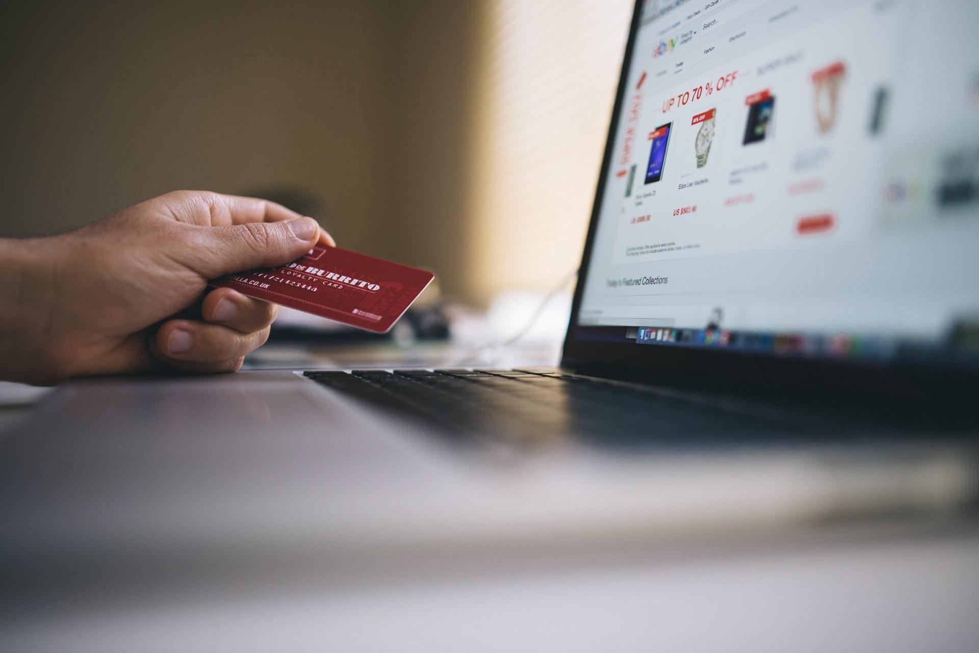 The Best Websites to Online Shop in Dubai