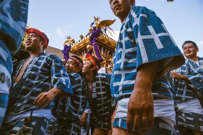 Kichijoji festival participants carrying their Mikoshi   Mithila Jariwala / © Culture Trip