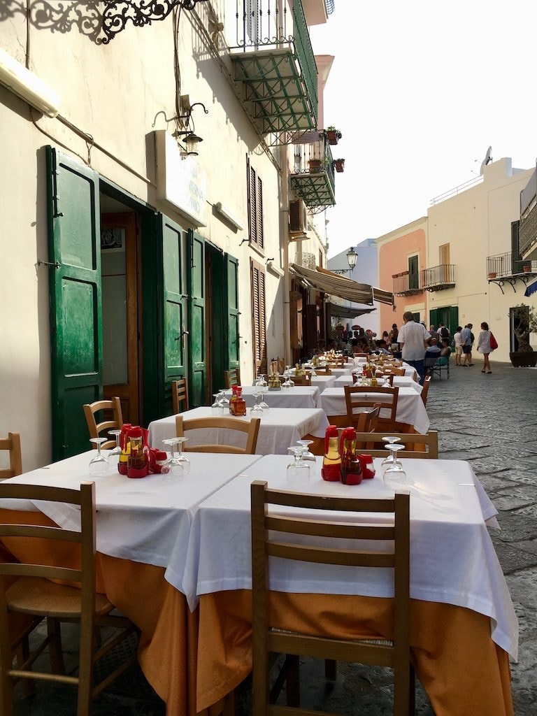 10 Must Try Restaurants And Trattorias In Capri Italy