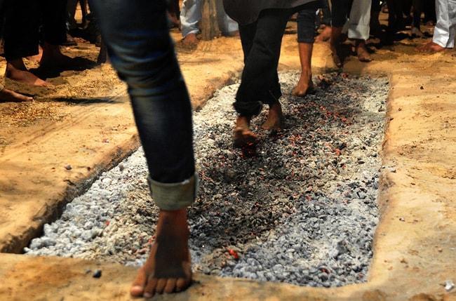 Shia Muslims walk on coals during mourning for Imam Hussein | © Prabhat Kumar Verma/ZUMA Wire/REX/Shutterstock