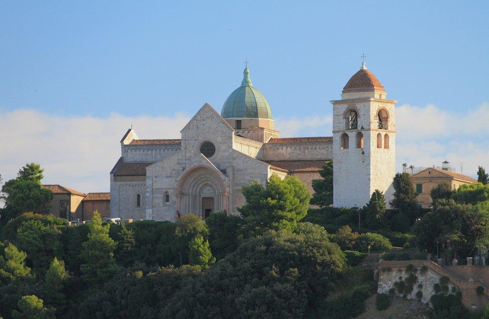 Cattedrale di San Ciriaco, Ancona, Italy | © photobeginner/Shutterstock
