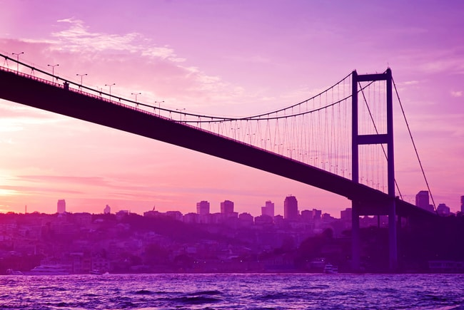 Bosphorus Bridge in Istanbul at sunset | © Olena Tur/Shutterstock