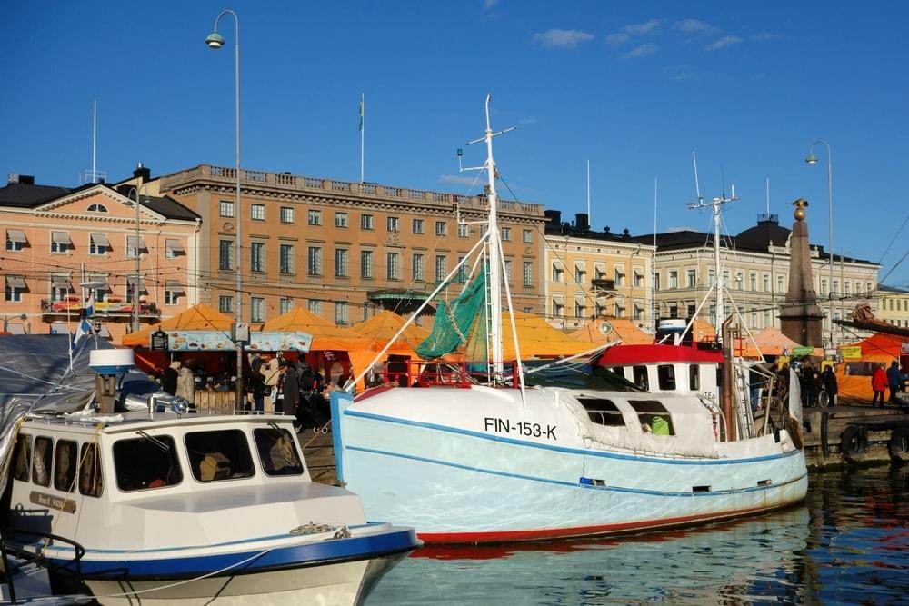 Fishing boats in Market Square, Helsinki | © Jekurantodistaja/Shutterstock