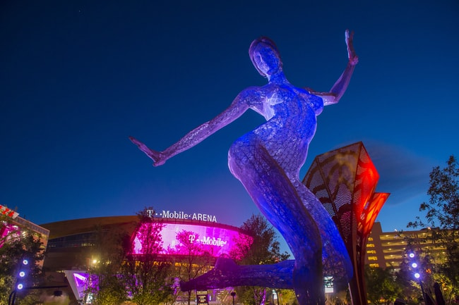 The Bliss Dance Sculpture display at the T-Mobile park in Las Vegas | © Kobby Dagan/Shutterstock